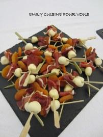 brochette abricot, mozza et magret